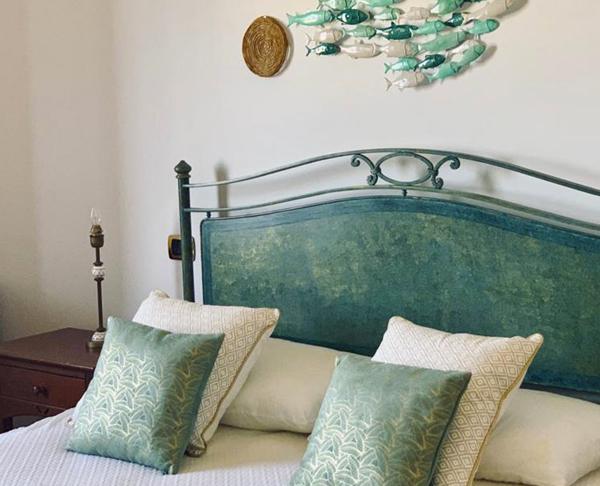 Sicily Room 306